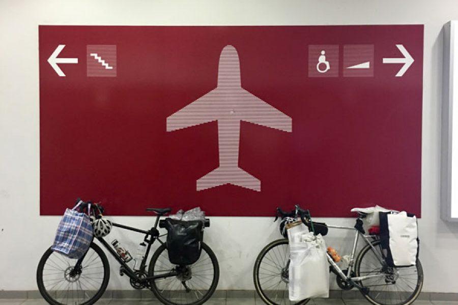 Das Fahrrad im Flugzeug transportieren